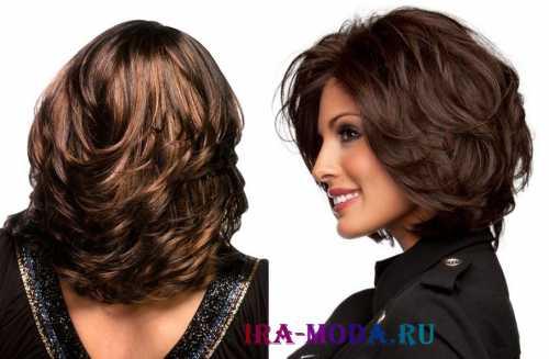 Категорически не стоит зачесывать волосы назад, завязывать их в пучок или хвост, тем самым выделяя округлость лица