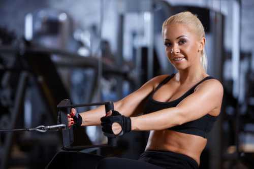 Упражнения выбираются только на тренажерах, т