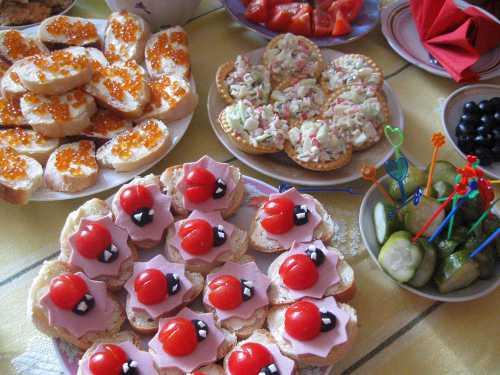 Меню на день рождения: обзор аппетитных и красивых блюд