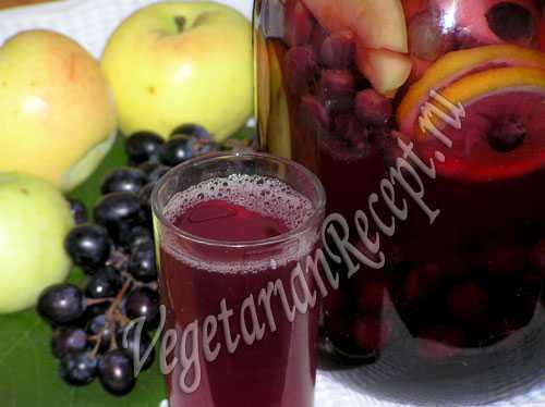 Компоты из винограда и яблок