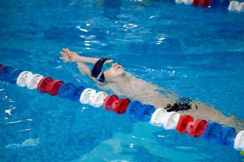 Обучение плаванию взрослых: как происходит процесс