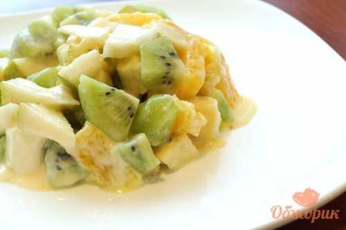 Казалось бы, что может быть проще, чем приготовление салата из фруктов
