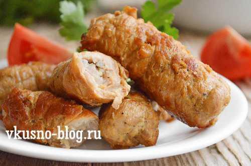 Чтобы мясо не рвалось при контакте с молотком, предварительно застелите его пленкой