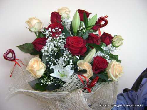 Если покойный мусульманин и его семья строго придерживаются обычаев своей религии, то вам не стоит нести цветы на его могилу