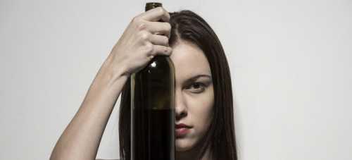 Все действия и поступки подчиняются алкогольной ломке