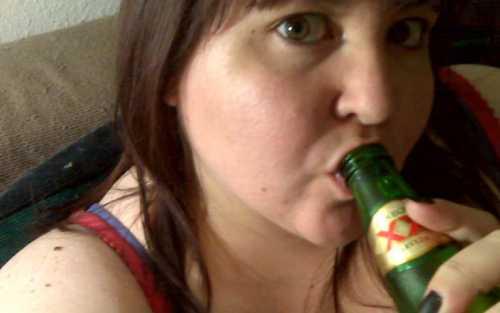Женский алкоголизм: симптомы, причины, это