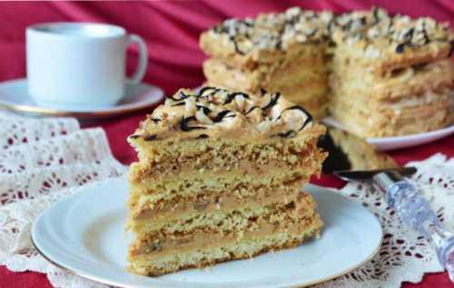 Простые рецепты новогоднего торта, секреты выбора