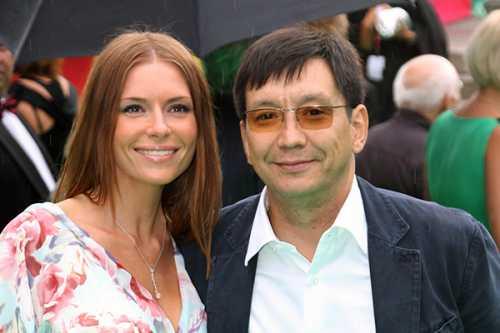 Степанов просит о помощи бывшую возлюбленную