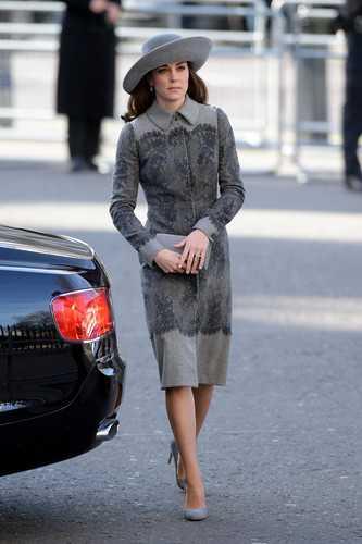 Кейт Миддлтон одевается слишком вызывающе