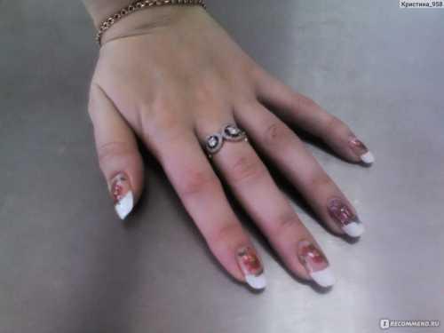 Укрепление ногтей шелком позволяет сохранить маникюр